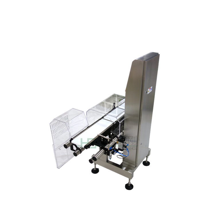 称重范围:5-1500g  检测精度:±0.5g(检测精度受产品重量、产品尺寸、运送方式、工作环境等影响)  分度值:0.1g  大检测速度:80件/分  输送带宽度:300mm  剔出系统:拨杆剔出 (可定做其它类型)  电源供应:AC220V;50HZ;1P;10A  机壳材料:304不锈钢  功能:不合格产品多种剔除方式,支持不合格停机功能;可100个产品配方预设存储;触摸屏人机对话;  选配:U盘接口;RS232接口;声光报警灯;