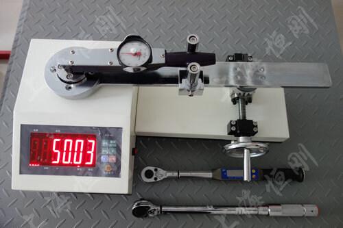 非标式扭矩扳手检验仪图片